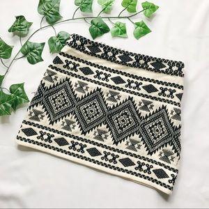 Topshop embroidered mini skirt. Sz 6